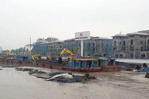 Hải Phòng: Khẩn trương trục vớt 2 sà lan chở than bị chìm trên sông Tam Bạc