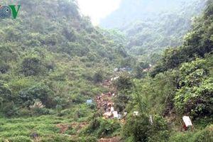 Hoa quả chất đống tại Lạng Sơn để chờ xuất qua biên giới