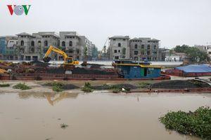 2 sà lan chở than bị chìm trên sông Tam Bạc (Hải Phòng)