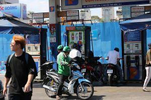 Giá xăng dầu tăng, doanh nghiệp đầu mối âm quỹ bình ổn