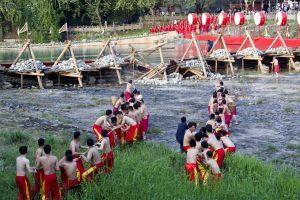 Lễ hội 'nắn dòng nước' mừng công trị thủy hơn 2.200 năm ở Trung Quốc