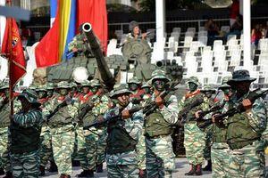 Hoành tráng đạo quân nửa triệu người Venezuela diễu binh