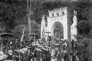 Hình độc về lễ hội đền Hùng một thế kỷ trước