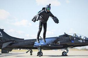 Jet pack - lính không chiến