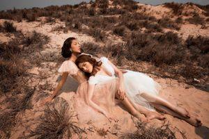 Hoa hậu Kỳ Duyên, Minh Triệu tay trong tay, tựa nhau giữa sa mạc
