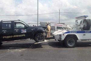 Người mắc bệnh tâm thần lái xe bán tải gây tai nạn liên hoàn, ép xe CSGT?