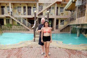 Phải lòng ông lão 71 tuổi qua mạng, cô gái 23 tuổi quyết cưới sau vài tháng