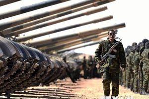 Quân đội Algeria cân nhắc mọi lựa chọn nhằm chấm dứt cuộc khủng hoảng