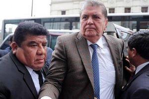 Cựu Tổng thống Peru được cấp cứu sau khi nổ súng tự sát