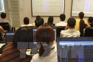 Chứng khoán ngày 17/4: Nhiều cổ phiếu nằm sàn, VN-Index giảm hơn 5 điểm