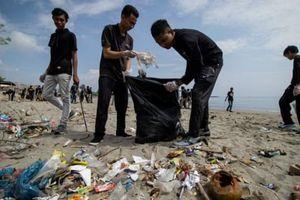 Đầu tư công nghệ tự nhiên để tái chế rác thải nhựa