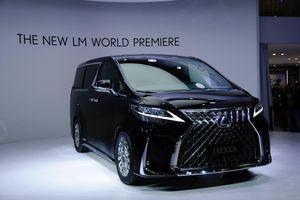 LM 300h - MPV hạng sang đầu tiên của Lexus