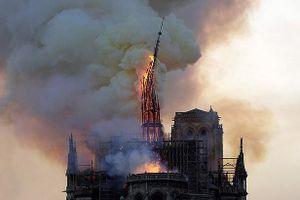 Gần 1 tỷ USD quyên góp cho việc xây dựng lại Nhà thờ Đức Bà Paris