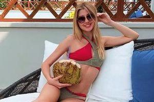 Nhan sắc ngọt ngào như búp bê của Hoa hậu Belarus từng đến Việt Nam