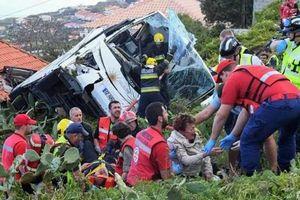 Lật xe buýt chở khách du lịch tại Bồ Đào Nha, gần 30 người thiệt mạng