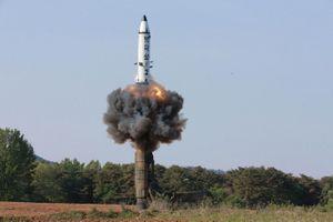 Chủ tịch Kim Jong-un giám sát thử vũ khí chiến thuật mới