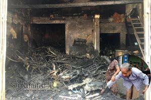 Cháy cửa hàng, vợ chồng và con gái tử vong: Tiếng kêu lịm dần giữa biển lửa