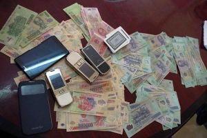 Phó trưởng Công an xã bị bắt vì 'nhận hối lộ' của con bạc