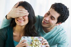 Bất ngờ vì món quà tặng của chồng, không ngờ đó là bẫy thâm độc của kẻ khác