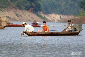 Nhịp sống trên sông Nậm Nơn mùa nước cạn