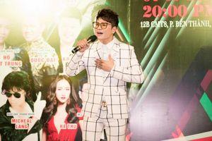 Lương Gia Huy quỳ gối tri ân thầy Ngọc Sơn trên sân khấu, thông báo liveshow 'Tri ân 2'