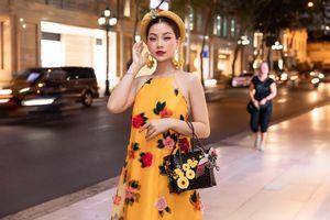'Chị em cây khế' Đỗ Mỹ Linh - Diễm Trang mặc cùng đầm, xách cùng túi riêng H'Hen Niê một mình một cõi đi xem thời trang