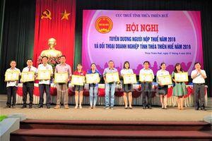Thừa Thiên Huế tuyên dương, khen thưởng hơn 100 tổ chức, cá nhân trong lĩnh vực thuế