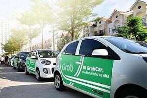 Bộ GTVT tuýt còi taxi tỉnh cài Grab chạy ở Hà Nội