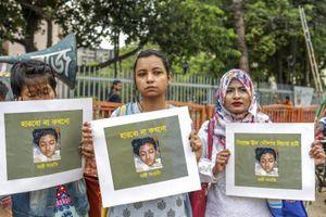 Hiệu trưởng Bangladesh bị nghi ra lệnh thiêu sống nữ sinh tố quấy rối