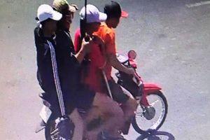 Bắn đối thủ trọng thương, tỉnh bơ mang súng bỏ đi: Bắt 5 nghi phạm