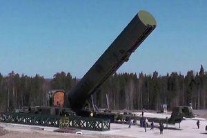 Báo Anh nói về sức mạnh tên lửa Nga 'xóa sổ cả vùng lãnh thổ bằng nước Anh'