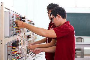 Cơ khí - Điện - Điện tử: Những lựa chọn lý tưởng nếu bạn đam mê máy móc
