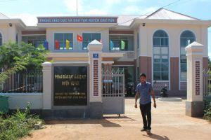 Bắt cán bộ thanh tra huyện 'ăn' tiền học sinh nghèo