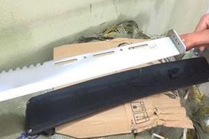 Cảnh sát ráo riết truy tìm chủ nhân lô vũ khí thô sơ 'khổng lồ' ở Lạng Sơn