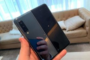 Cổ phiếu Samsung sụt giảm trong bối cảnh lo ngại Galaxy Fold dễ hỏng