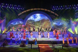 'Bản hòa âm sắc màu' tại Làng Văn hóa - Du lịch các dân tộc Việt Nam