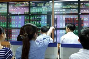 Chứng khoán ngày 19/4: Cổ phiếu Vinamilk giảm mạnh phiên cuối tuần