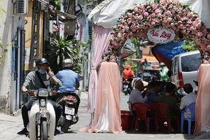 Dựng rạp hiếu, hỉ giữa đường: Đừng vì được việc của 'nhà mình'...