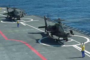 Trực thăng vũ trang AH-64 Mỹ 'hất văng' Ka-52 Nga khỏi tàu đổ bộ Mistral