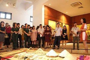 Tri ân người có công tại Bảo tàng Dân tộc học Việt Nam nhân dịp 30-4