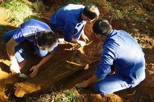 Tìm kiếm, cất bốc 6 hài cốt liệt sĩ tại huyện Cam Lộ
