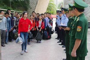 Tiếp nhận 69 công dân Việt Nam xuất cảnh trái phép do Trung Quốc trao trả