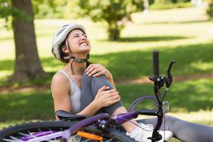 Ba bài tập đơn giản khắc phục chứng đau đầu gối khi đạp xe