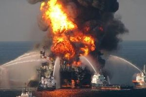 Vụ nổ giàn khoan Deepwater Horizon