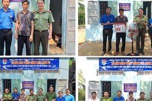 Đoàn thanh niên Công an Phú Yên cùng Huyện đoàn Sông Hinh bàn giao Nhà nhân ái