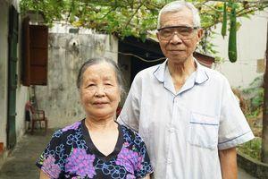 Hành trình kỳ lạ của thượng sỹ quân đội cứu người vợ gần 90 tuổi khỏi tai biến