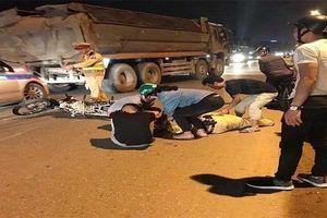 Sức khỏe Thiếu tá CSGT ở Hà Nội bị xe máy tông gục giờ ra sao?