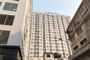 Bé trai 4 tuổi rơi từ tầng 11 may mắn sống sót ở Hà Nội