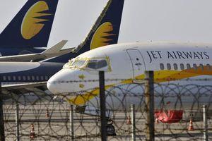 Vì sao hãng hàng không lớn nhất Ấn Độ sụp đổ?