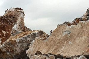 Đã tìm thấy thi thể công nhân bị tai nạn lao động tại khai trường khai thác đá
